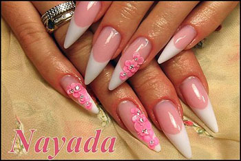 pose d´ongles acrylique stillettos